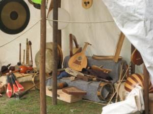 3  instruments musique anciens